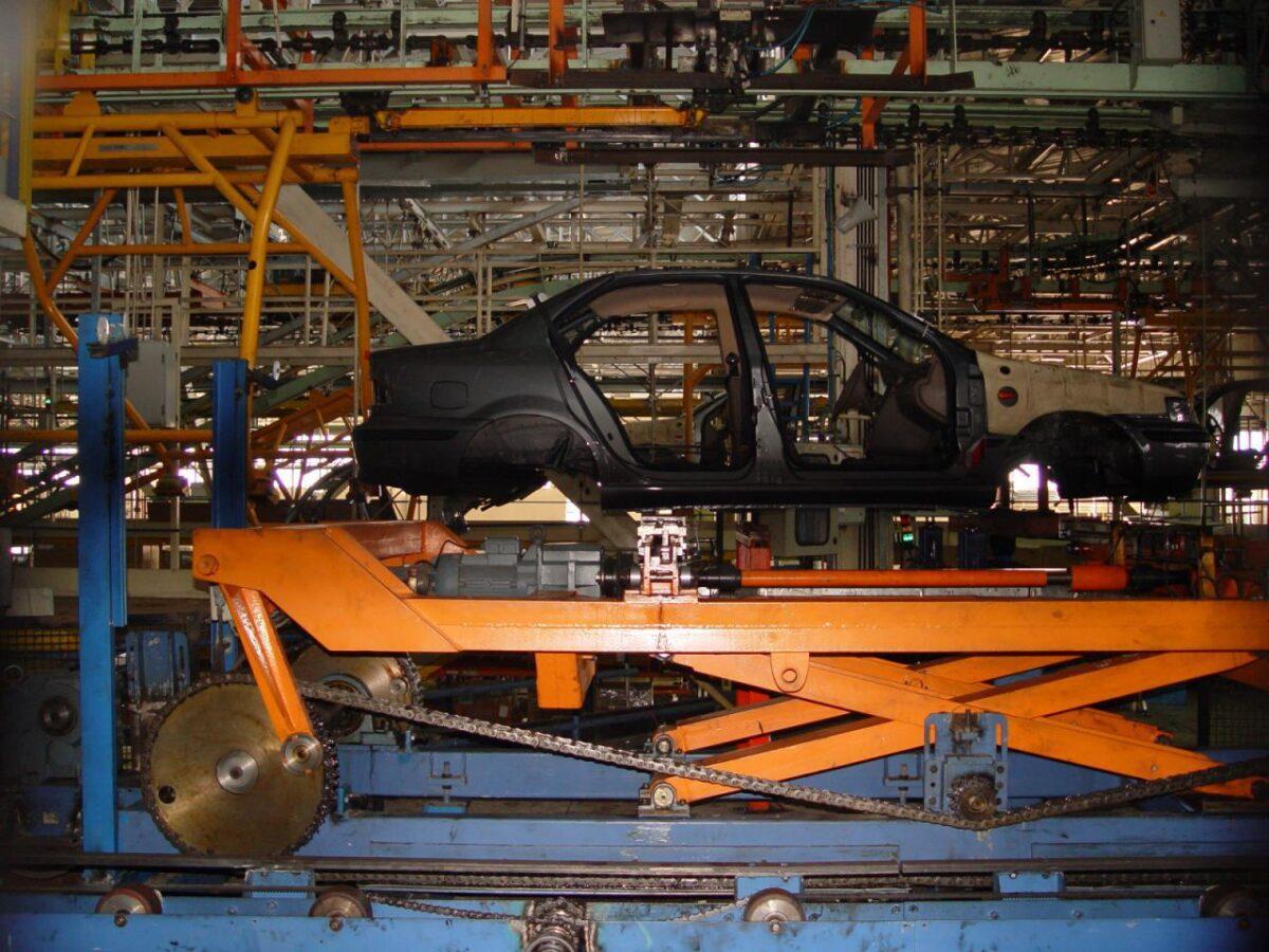خط تولید محصولات ایران خودرو
